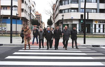 Cruce peatonal entre las calles Yeste e Imperial