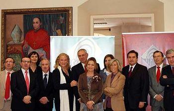 Los patronos de la Fundación General, al inicio de la reunión.