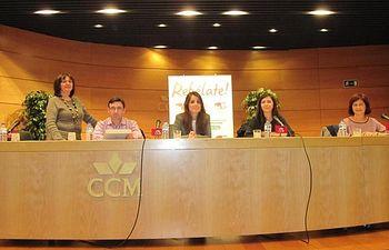 IU de Albacete celebra exitosamente unas jornadas sobre feminización de la pobreza