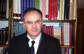 Ignacio González-Varas es profesor en la Escuela de Arquitectura.