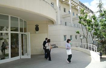 El Aula de Poesía se celebra en la Facultad de Letras.