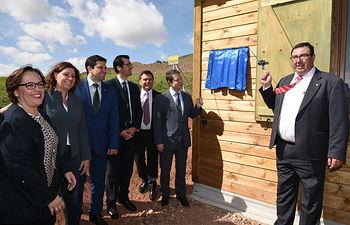 El presidente de Castilla-La Mancha, Emiliano García-Page, inaugura el área visitable del Volcán Cerro Gordo. Foto: JCCM.