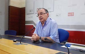 Fernando Mora.