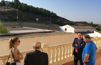 Francisco Núñez visita las obras de Montealegre del Castillo, que rehabilita varios edificios con el programa 'Dipualba Invierte'
