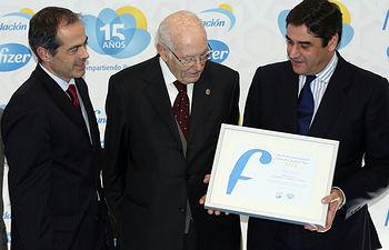 Echániz entrega Premios Fundación Pfizer (1). Foto: JCCM.