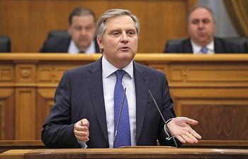 Cañizares durante su intervención en el pleno de la Cortes de CLM