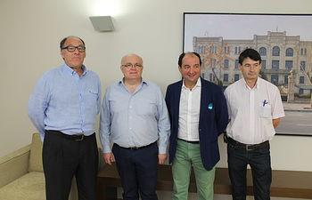 El delegado de la Junta de Comunidades en Albacete, Pedro Antonio Ruiz Santos; el presidente de OPA nacional, Camilo Abiétar; el presidente de OPA Castilla-La Mancha, Manuel Martínez Navarro; y el presidente de OPA Albacete, Luis Ramírez Sánchez).