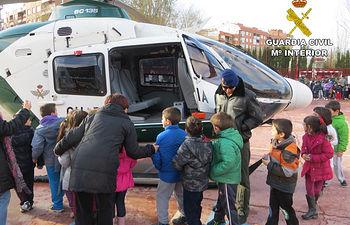 La Guardia Civil realiza 404 actividades relacionadas con el Plan Director durante el curso escolar 2014/2015.