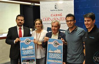 """Presentación de """"Toledo es triatlón-113 media distancia"""". Foto: JCCM."""