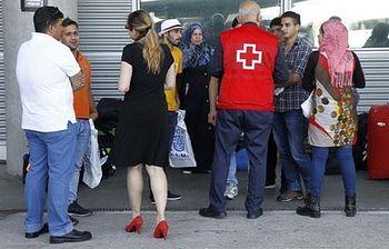 Trabajador de cruz roja atendiendo a pacientes (Foto: Archivo)