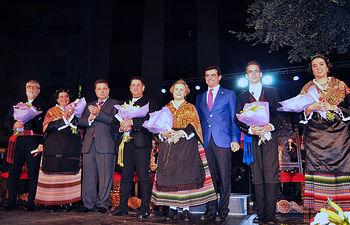 Foto de familia de los Manchegos de la Feria 2015 y Manchegos de Honor.