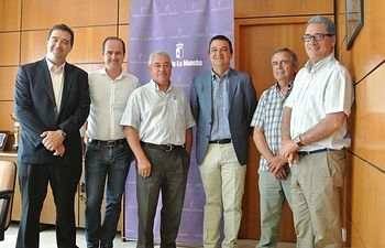 Reunión con los representantes de UPA y COAG de Castilla-La Mancha. Foto: JCCM.