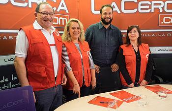 Francisco Gómez, técnico de Empleo de Cruz Roja Albacete, Rosa Torres, coordinadora de Empleo de Cruz Roja Albacete, Raúl Moreno, director de Mesón El Lomo y Bienvenida Valera, técnica de Empleo y voluntaria de Cruz Roja Albacete