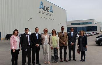 Casero visita a la empresa AdeA. Foto: JCCM.