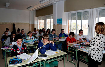 Niños durante una clase. Imagen de archivo. Foto: JCCM.