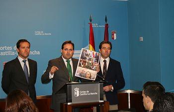 Núñez, Robisco y Velázquez en rueda de prensa.