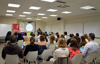 Un momento de la sesión de este martes. Fotografía: Álvaro Díaz Villamil / Ayuntamiento de Azuqueca