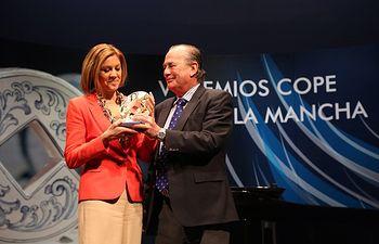 Cospedal recibe el Premio COPE