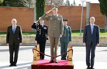 El Rey visita en Valdemoro la sede de la Unidad Especial de Intervención de la Guardia Civil (Foto: Ministerio del Interior)