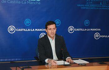 Velazquez en rueda de prensa en las Cortes de CLM