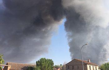 Incendio en Chiloeches. Foto José Luis Blanco @JL_Blanco.
