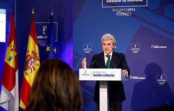 Esteban en la rueda de prensa posterior al Consejo de Gobierno 02-10-14 (1). Foto: JCCM.
