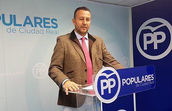 Adrián Fernández.