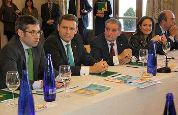 De izquierda a derecha Víctor Vicente, Victor Manuel Martín López, Andrés Gómez Mora, Ana López Casero y  Enrique Muñoz