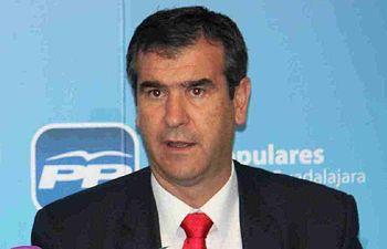 Antonio Román.