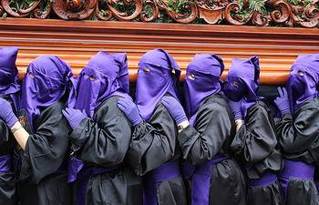 Nazarenos - Semana Santa. Imagen de archivo.