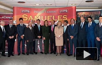 Premiados y personalidades en los IX Premios Taurinos Samueles junto a María Dolores Cospedal, presidenta de Castilla-La Mancha.