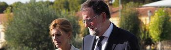 Mariano Rajoy y María Dolores Cospedal dan el pésame a la familia del piloto fallecido