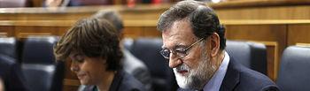 El presidente del Gobierno, Mariano Rajoy, en su escaño del Congreso de los Diputados para asistir a la sesión de control.