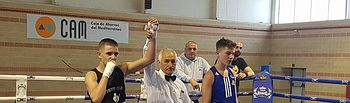 Kike García debuto con victoria en Santa Pola