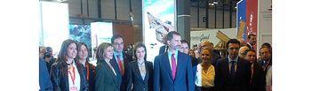 Francisco Núñez acompaña a los Reyes de España y a la presidenta Cospedal en la inauguración del stand regional de Fitur