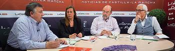 El director general de La Cerca (Manuel Lozano Serna) comparte tertulia con Francisco Montero (catedrático de la Escuela Superior de Ingenieros Agrónomos de la UCLM), Concepción Faveiro (profesora titular de Producción Vegetal y Tecnología Agraria en la CULM), y de Jorge Navarro (secretario general de la Asociación de Jóvenes Agricultores -ASAJA- en Albacete).