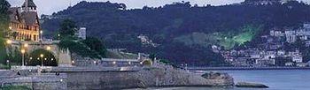 Pueblo costero al atardecer. Foto: Ministerio de Industria, Energía y Turismo.