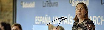 Foto de la ministra Pastor en la jornada organizada por Promecal (EFE)