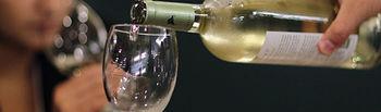 Con una sola copa de vino al día se alcanzarían las 65 botellas de vino al año, lo que garantizaría la supervivencia del sector.