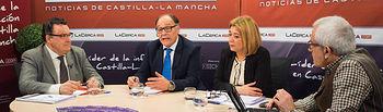 De izquierda a derecha: Santos Prieto, presidente de ADECA, Manuel Martínez, presidente de OPA CLM, Toñi Pastrana, presidenta de AMEPAP, y Manuel Lozano, director del Grupo Multimedia de Comunicación La Cerca.