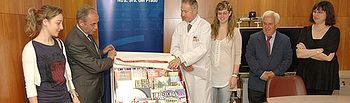 Rivas entrega un carro de lectura móvil al Hospital General Nuestra Señora del Prado