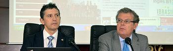 Crescencio Bravo y Miguel Ángel Collado, en el Consejo de Gobierno.