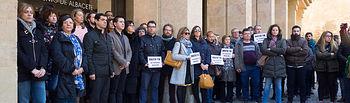 Minuto de silencio en al Ayuntamiento de Albacete por los crímenes machistas de Daimiel.