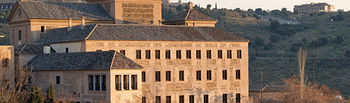 En diciembre de 2001 las Cortes regionales aprobaron la Ley del Defensor del Pueblo de CLM para garantizar la defensa de los derechos y libertades de los ciudadanos. Foto: Convento de San Gil, sede de las Cortes de Castilla-La Mancha.