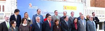 El consejero de Agricultura y Desarrollo Rural, José Luis Martínez Guijarro, en la foto oficial junto a la Ministra de Agricultura, Elena Espinosa, y los consejeros autonómicos del ramo hoy en la Conferencia Sectorial.