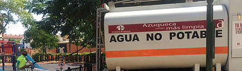 Imagen de archivo del camión municipal que transporta agua no potable. Fotografía: Ayuntamiento de Azuqueca