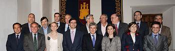 Foto de familia de los asistentes a la reunion. Foto: JCCM.
