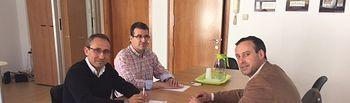 Onésimo González reunido con cooperativas.