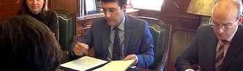 Fernando Miranda firma Convenio AENOR. Foto: Ministerio de Agricultura, Alimentación y Medio Ambiente