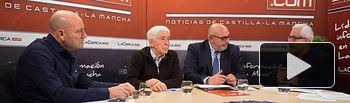 Antonio González Cabrera, médico de familia y afectado por la cláusula suelo, José María Roncero, presidente de la UCE en Albacete, Ángel Ramírez, abogado, y Manuel Lozano, director del Grupo Multimedia de Comunicación La Cerca.